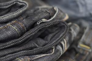 Как отличить настоящие джинсы от подделки?