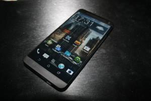 Фотография HTC M8 оказалась подделкой