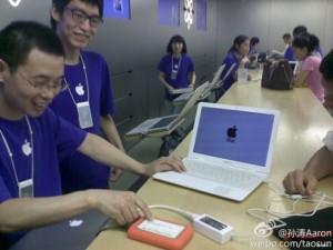 Специалисты Genius Bar починили… поддельный MacBook Air