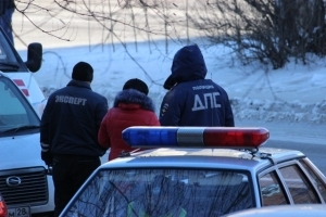 Амурские инспекторы ГИБДД стали чаще задерживать авто с документами-подделками