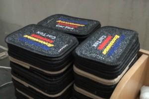 В Петербурге прикрыли цех по подделке «фирменных» автомобильных ковриков