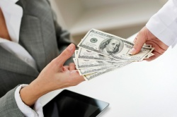 В Барнауле появились фальшивые 50-долларовые купюры