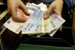 Литовские мошенники пытаются сплавить фальшивые евро в небольших городах и весях