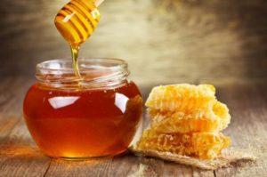 Сам себе лаборатория. Как выбрать настоящий мед, а не подделку?