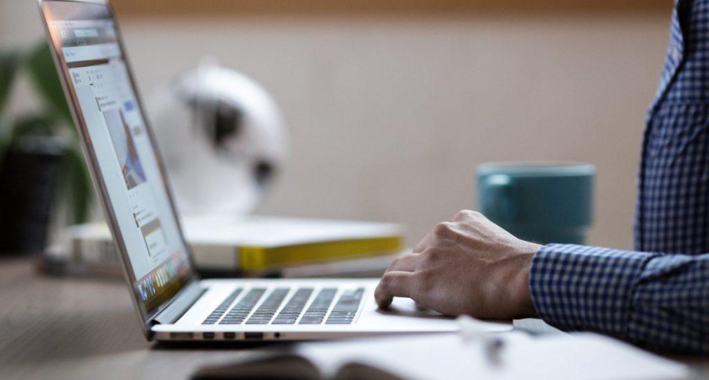 Полицейские Нижневартовска рассказали, как распознать мошеннический сайт