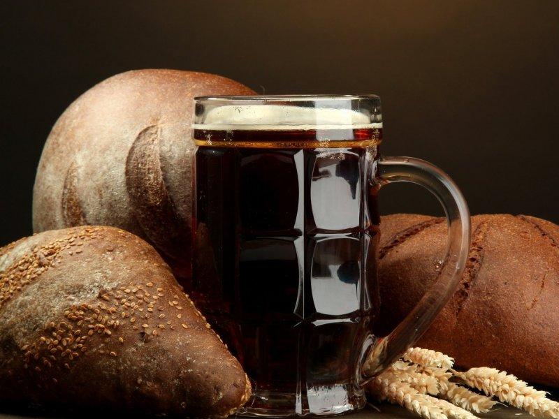 «Метод стакана»: как отличить натуральный квас от подделки
